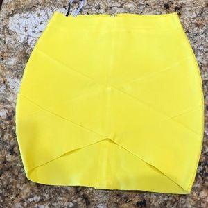New bright yellow bandage skirt small
